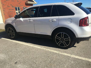 Loaded 2014 Ford Edge SEL AWD free oil changes maintenance pkg.