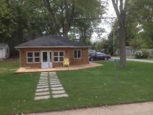 Cozy cottage house for rent with BEACH RIGHTS