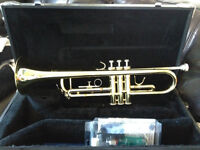 Trumpet Jupiter 606rl BRAND NEW with case AND cleaning kit