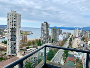 Beautiful 2bed 2bath + den stunning views