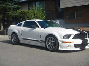 2008 Ford Mustang white Coupe (2 door)