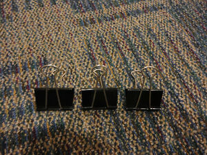 Lot of 15 assorted size binder clips London Ontario image 3