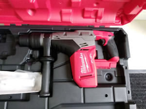 "New! Milwaukee M18 FUEL 1-9/16"" SDS Max Hammer Drill (Tool+Case)"