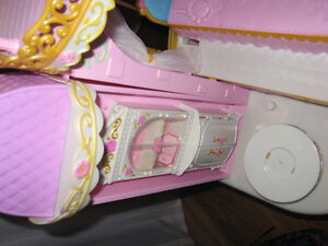 BARBIE PRINCESS PLAY DRESSER AND BARBIE BED WITH MELODY Cambridge Kitchener Area image 8
