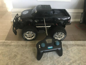FORD f-150 HALREY DAVIDSON RC CAR with remote ( used )