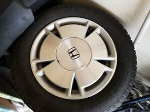 195/65 r15 set of 4 Pirelli winter tires with Honda Alloy rims