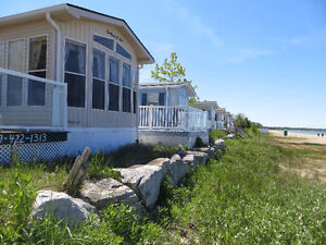 Prime waterfront Sauble Beach Cottage Rental