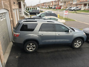 2008 GMC Acadia Front wheel drive SUV, Crossover