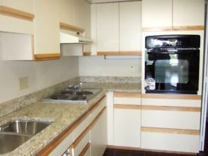 FOR RENT NEAR DAL 3 BEDROOM CONDO WITH 2 FULL BATH ROOMS