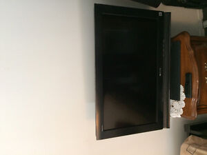 Nice 32 inch tv sony for sale perfect condition as well