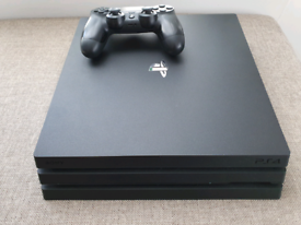 PS4 Pro - Doesn't read discs at the moment.