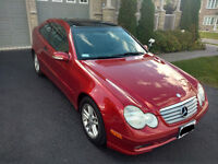 2004 Mercedes-Benz C-Class Coupe (2 door)