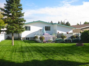 Beautiful fully furnished entire home with a massive yard!