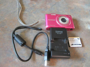 "Fujifilm FinePix JX520 14MP 5x Optical Zoom 2.7"" LCD Digital Cam"
