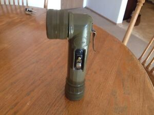 FULTON MILITARY FLASHLIGHT MX 212/U