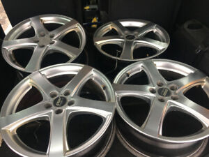 4 BEAUX MAGS 17 p 5x100 for SUBARU TOYOTA ACCURA