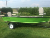 14FT Fisher Boat with 20hp Yamaha e-start and Trailer