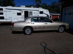 2007 Lincoln Town Car Signature limited Sedan Price Drop of $550