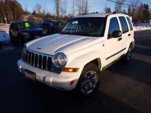 2006 jeep liberty 4x4 limited leather sunroof  cert e-tested