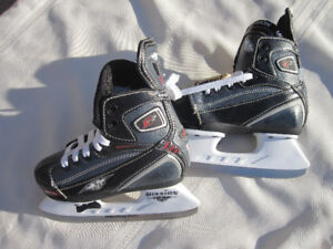 Boy's/Girl's/Youth/Junior Adjustable Skates - Various Sizes