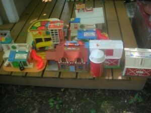 Vintage Fisher Price Toy Lot-Buildings/People/Animals