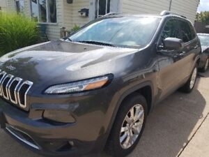 2015 JEEP CHEROKEE LIMITED 4X4-FULLY LOADED w/ Lots of Upgrades