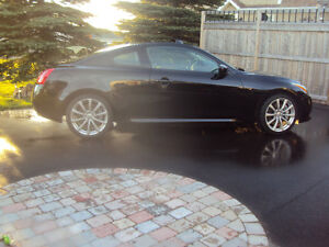 2009 Infiniti G37 sport Coupe (2 door) - 6 speed manual