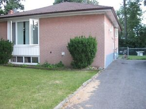 Newly renovated 3 bedroom upper level house in Downtown Brampton