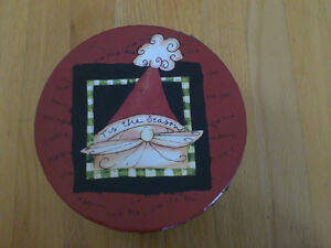 Brand new in box holiday theme set of 4 dessert plates London Ontario image 2