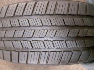 2 pneus été LT265/70R18 Michelin defender LTX,