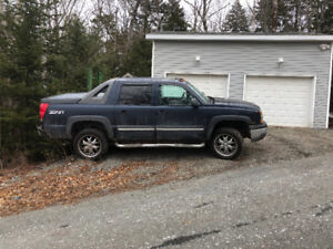 2004 Chev Avalanche Z71, Needs work, parts or repair