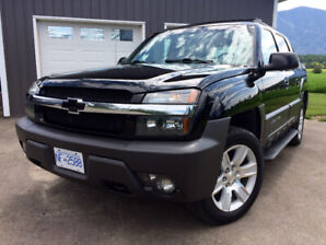Immaculate '03 Chevrolet Avalanche 4X4 - Low KMs - Must See!