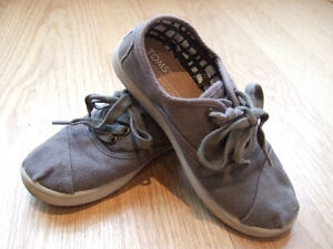 TOMS Canvas Sneakers - Grey, Size 13