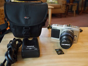 Olympus EP1 and Olympus 14-42 lens   Excellent Condition
