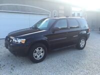 2007 Ford Escape Limited 4WD, Manitoba vehicle, 2nd owner