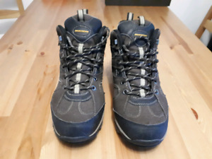 Skechers Bomags Calder hiking shoes, Men's size 9.5