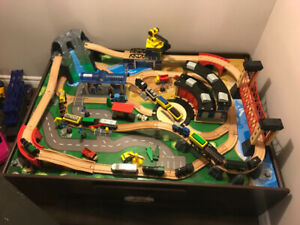Kids Imaginarium Train Table