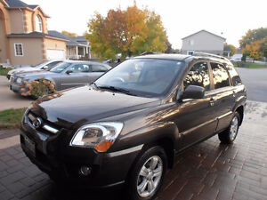 2010 Kia Sportage lx SUV, Crossover don't miss out on this one