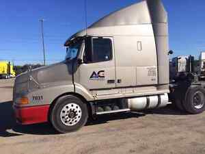 2000 Volvo Truck For Sale