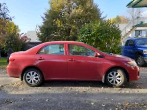 Toyota corolla 2012 excellent état 7700$