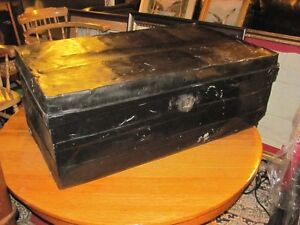 LAKES STEAMER SEAMANS TRUNK IN GREAT CONDITION