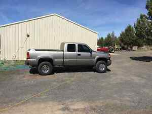 2003 GMC Sierra 2500hd Pickup Truck