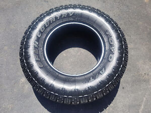 Neuf!  Toyo open country a/t 2 lt285 70 r17 all terrain