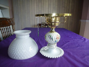"""ANTIQUE MILK GLASS LAMP WITH HOBNAIL SHADE 16"""" Kingston Kingston Area image 2"""