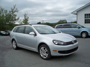 2010 Volkswagen Golf Wagon LOADED, ALLOY RIMS , SCREEN!