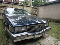 Cadillac 1989, for restoration or parts.