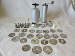 Vintage Mirro Cake Decorating Set & Cookie Press