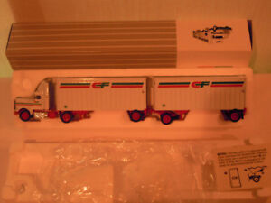 "Collectible Toy - Canadian Motor Freight - Tractor and ""B"" Train"