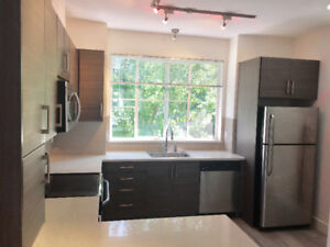 BEAUTIFUL 2 BEDROOM TOWNHOUSE FOR RENT (CLAYTON HEIGHTS)