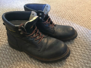 CAT boots-size 14- for 10 $